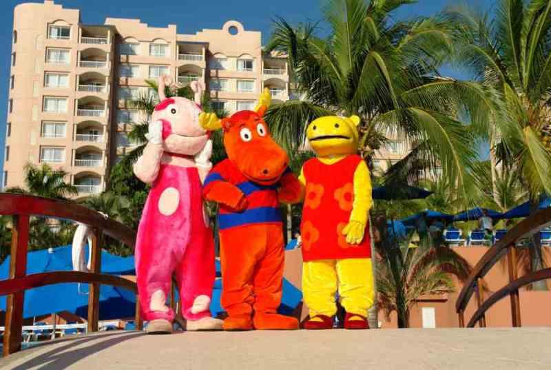 Actividades para niños en el Hotel Azul Ixtapa. La Cabaña de Cocotony en el Hotel Azul Ixtapa. Parque recreativo diseñado especialmente para niños en el Hotel Azul Ixtapa