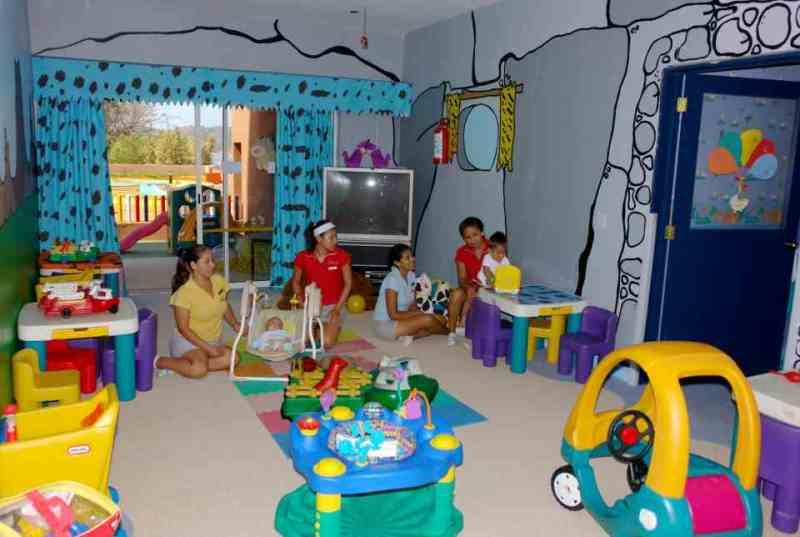 Recreación y Entretenimiento para niños en el Hotel Azul Ixtapa. La Cabaña de Cocotony en el Hotel Azul Ixtapa. Parque recreativo diseñado especialmente para niños en el Hotel Azul Ixtapa