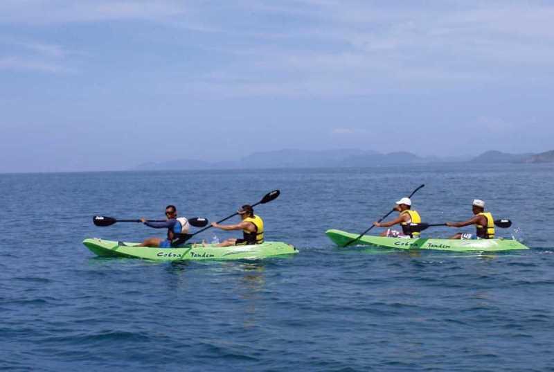 Disfrute de nuestras actividades en Kayak en sus vacaciones todo incluido en el Hotel Azul Ixtapa