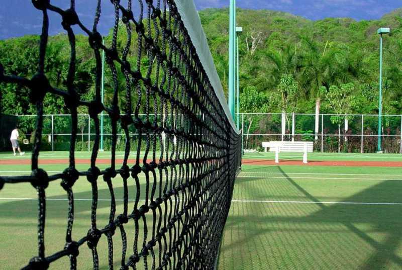 Instalaciones Deportivas del Hotel Azul Ixtapa: Contamos con 2 canchas de tenis