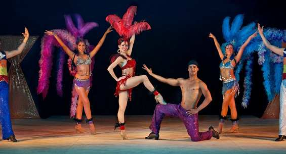 Hotel Azul Ixtapa Compañía de Danza Zihuatlán. Espectacular Cena Show, donde podrás disfrutar de diferentes colores, sonidos e imágenes que la Compañía de Danza Zihuatlán tiene para ti en el Hotel Azul Ixtapa. Shows y Espectáculos del Hotel Azul Ixtapa. Hotel Azul Ixtapa Actividades Nocturnas
