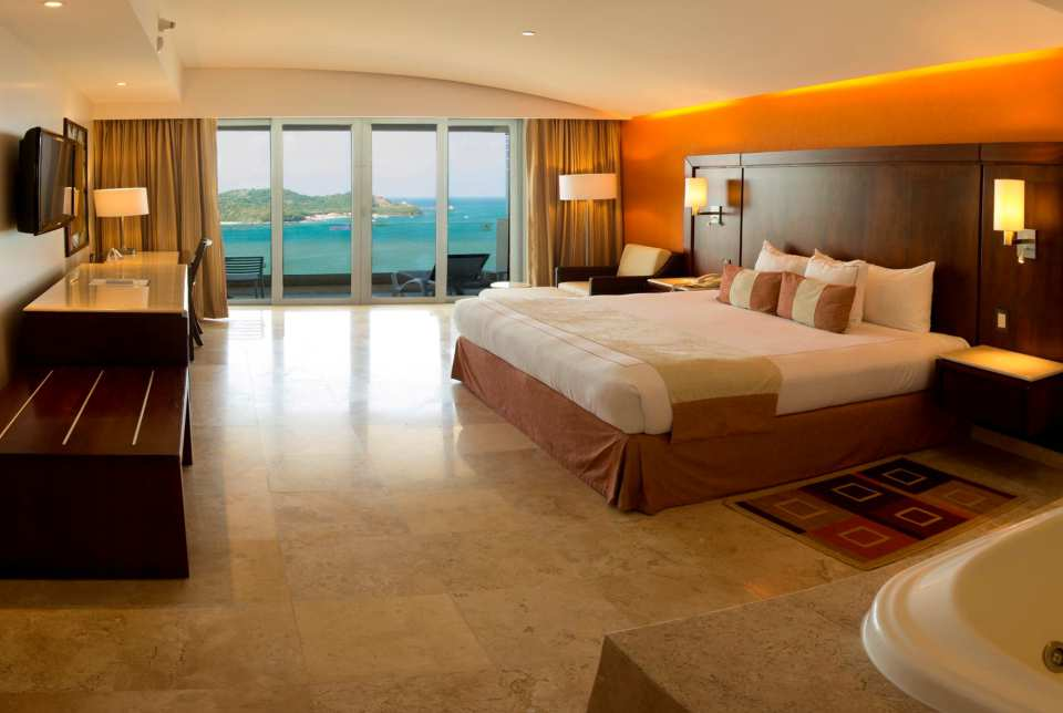 Los cuartos del Hotel Azul Ixtapa Grand te van a encantar, hay cuartos disponibles con cama king size o dos camas queen size, cuentan con jacuzzi y terraza privada