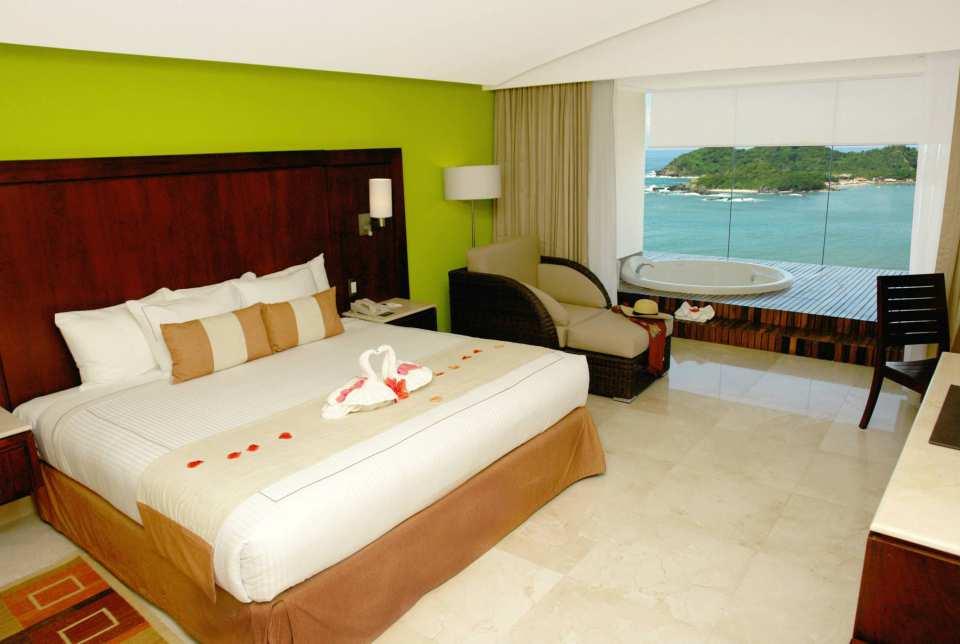 Hotel Azul Ixtapa Grand Habitación con Cama King Size, ideales para parejas que celebran bodas, aniversarios. Las habitaciones del Hotel Azul Ixtapa Grand cuentan con una gran vista al Océano Pacífico