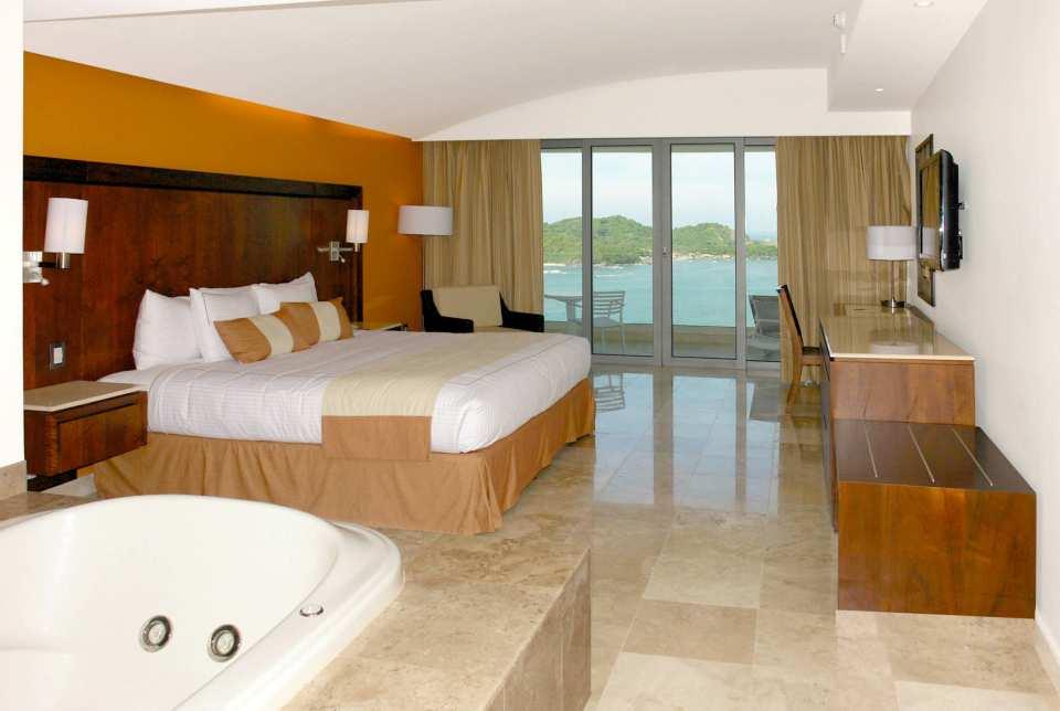 Hotel Azul Ixtapa Grand Habitaciones con Vista al Mar, jacuzzi, terraza privada. Las habitaciones del Hotel Azul Ixtapa Grand se encuentran ubicadas justo frente a la Isla de Ixtapa