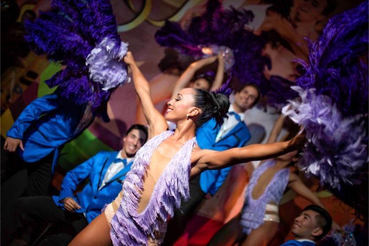 Hotel Barceló Ixtapa Entretenimiento: Variedad de espectáculos para toda la familia con música totalmente en vivo en el Hotel Barceló Ixtapa
