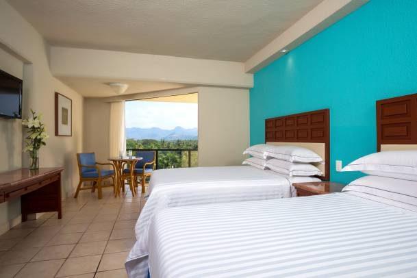 Hotel Barceló Ixtapa Habitación Superior Vista a la Montaña para 4 personas en el Hotel Barceló Ixtapa