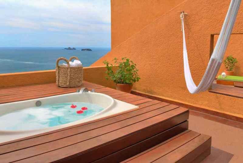 Fotos del Hotel Las Brisas Ixtapa. Con terrazas privadas y vistas impresionantes de la costa del Pacífico Mexicano, todas las suites están diseñadas para la escapada perfecta a Ixtapa Zihuatanejo disfrutando de su plan todo incluido en el Hotel Brisas Ixtapa