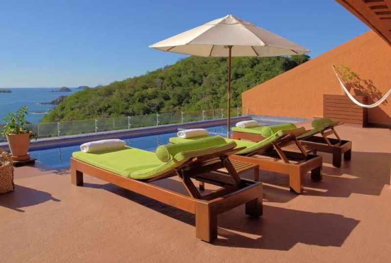 Hotel Brisas Ixtapa Fotos. Todas las habitaciones del Hotel Brisas Ixtapa cuentan con terraza privada y vista al mar. Las opciones de hospedaje varían desde suites con 3 recámaras hasta el exclusivo Brisas Beach Club con acceso al Lounge Privado