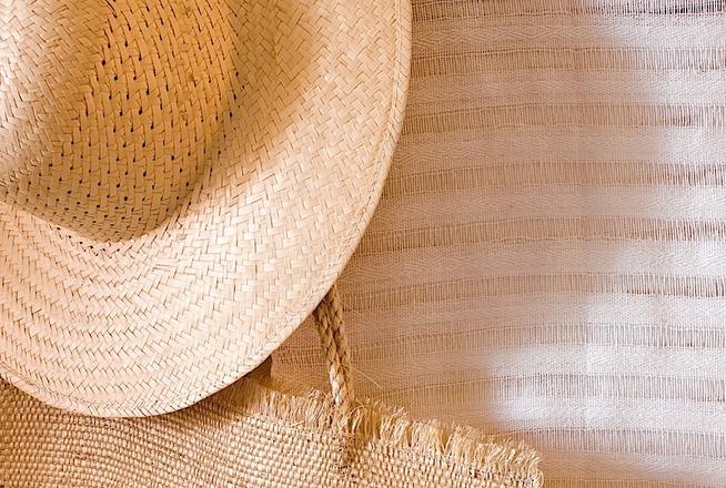 Hotel Cala de Mar Ixtapa Cuartos con amplia terraza al aire libre con área lounge, sala de estar y alberca infinity. Disfrútalos en el Hotel Cala de Mar Ixtapa Todo Incluido