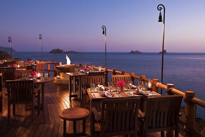 Hotel Cala de Mar Ixtapa Todo Incluido: Bebidas y botanas pueden disfrutarse también en el Terrace Bar del Hotel Cala de Mar Ixtapa