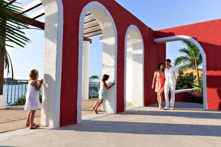 Hotel Club Med Ixtapa Fotos. Nombrado como uno de los mejores resorts del mundo por Trip Advisor