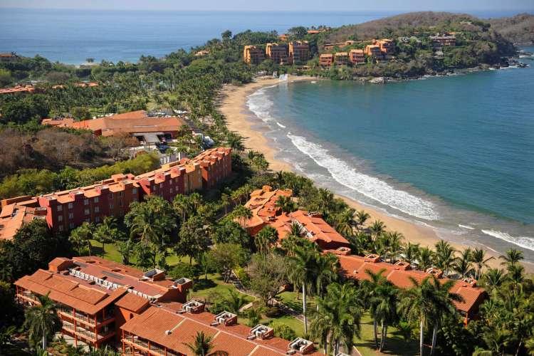 Hotel Club Med Ixtapa Fotos. Puestas de sol gloriosas y diversión sin escalas se puede esperar en el Hotel Club Med Ixtapa