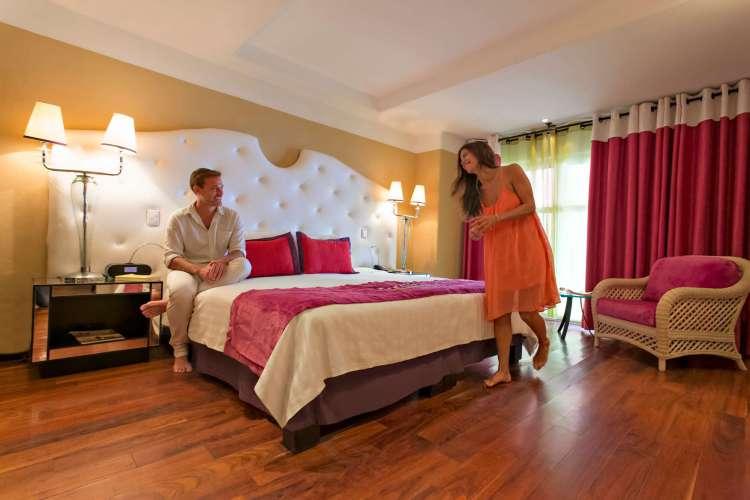 Hotel Club Med Ixtapa está compuesto por 300 habitaciones e incluye un conjunto de cuatro edificios de dos a tres pisos