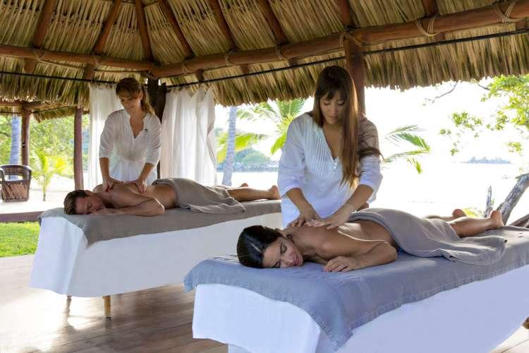 Hotel Club Med Ixtapa Todo Incluido: Déjese consentir por nuestras sesiones de Spa en el Club Med Ixtapa con un momento de descanso mientras ve la puesta de sol, un tratamiento de aceites esenciales después de un largo día en las pistas