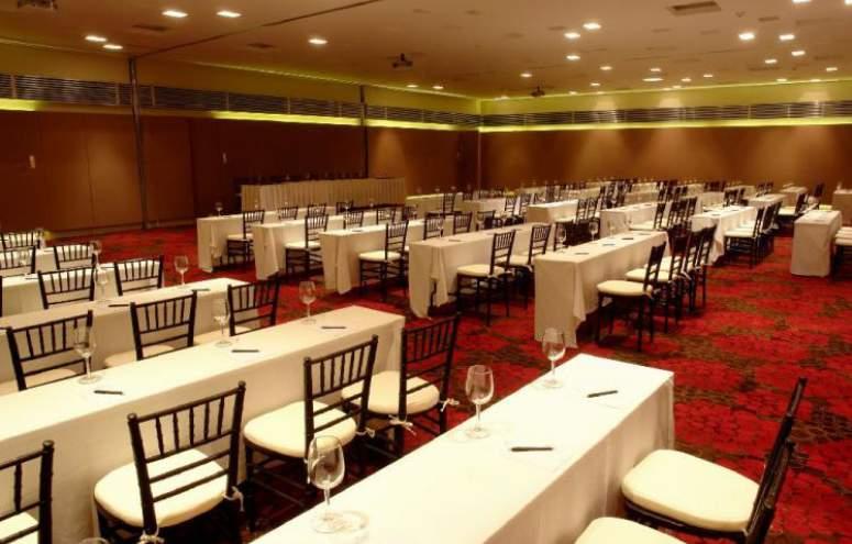Hotel Emporio Ixtapa Todo Incluido: instalaciones de primera y exquisita gastronomía, podemos garantizarte que en Emporio Ixtapa no tendrás que preocuparte por nada más que disfrutar de tu día de tu boda en Ixtapa Zihuatanejo