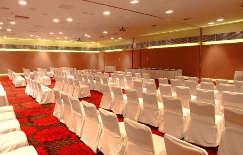 Hotel Emporio Ixtapa Todo Incluido: Contamos con un salón versátil con capacidad para hasta 500 personas, dependiendo del tipo de montaje que elijas para tu boda o cualquier evento social en Ixtapa Zihuatanejo