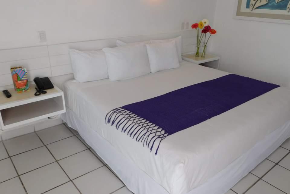 Para los que quieren disfrutar cada día de bonitas vistas al mar, las habitaciones Estándar Plus del Hotel Fontan Ixtapa representan la opción ideal para sus vacaciones en Ixtapa Zihuatanejo