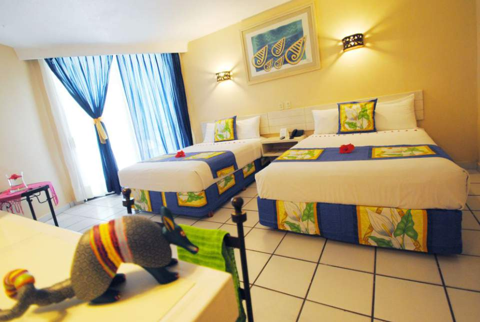 Las habitaciones Superior del Hotel Fontan Ixtapa agregan funcionalidad, amplitud y calidad en todos sus servicios. Creadas para el descanso, ubicadas en una zona muy tranquila del hotel Fontán Ixtapa Todo Incluido
