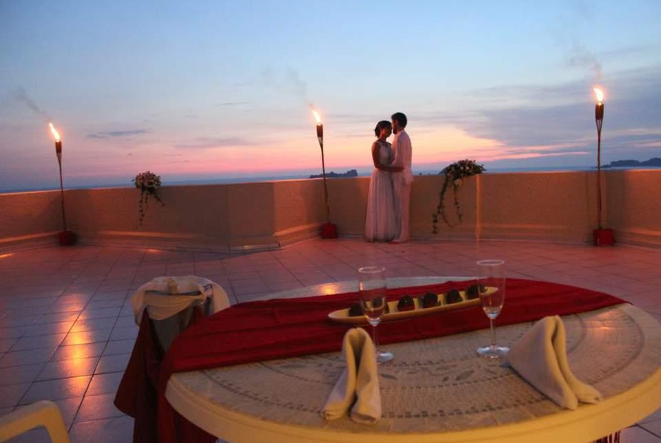 Hotel Fontán Ixtapa Todo Incluido es puro romance. Celebra tu boda, aniversario o cualquier ocasión especial con nuestros paquetes todo incluido del Hotel Fontán Ixtapa