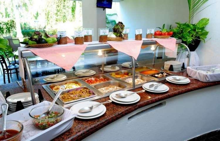 Hotel Gamma Inn Ixtapa: En el Restaurante Playa Linda tenemos desde comida típica mexicana hasta selectos platillos de la cocina internacional. ¡Son bocados que le darán sabor a tu estancia!