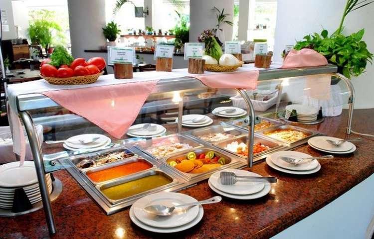 Hotel Gamma Inn Ixtapa: En el Restaurante Playa Linda ofrece comida tipo buffet para Desayuno: 7:00 am-11:00 am, Comida: 13:00 pm-17:00 pm y Cena: 19:00 pm-22:30 pm