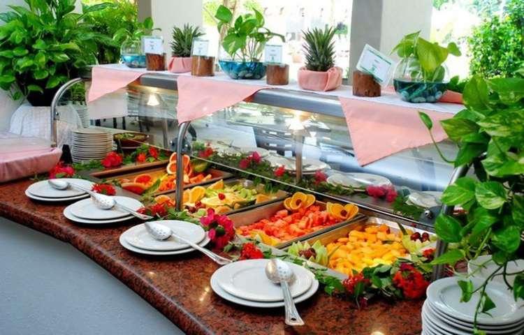 Disfruta de alimentos y bebidas en tu paquete todo incluido en el Hotel Gamma Inn Ixtapa