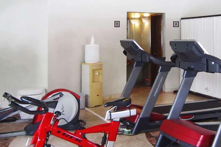 Hotel Gamma Inn Ixtapa Todo Incluido: Manténte en forma en nuestro Gimnasio, el cual puedes disfrutar en tu plan todo incluido en el Hotel Gamma Inn Ixtapa