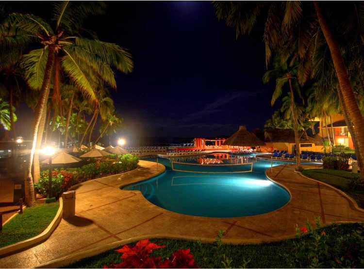 Galería de Fotos del Hotel Holiday Inn Ixtapa. Hotel Holiday Inn Ixtapa Fotografías. Hotel Holiday Inn Ixtapa Galería. Imágenes del Hotel Holiday Inn Ixtapa. Hotel Holiday Inn Ixtapa 2018. Paquetes Todo Incluido Holiday Inn Ixtapa