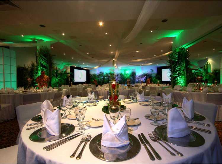 Hotel Holiday Inn Ixtapa Grupos y Convenciones: ofrecemos un servicio personalizado para organizar su boda en Ixtapa Zihuatanejo