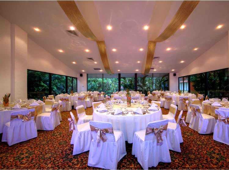 Bodas y XV Años en el Hotel Holiday Inn Ixtapa