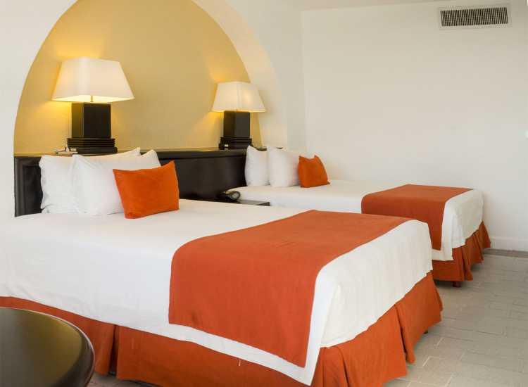 Hotel Holiday Inn Ixtapa Habitaciones con cama King Size o dobles (matrimoniales) para sus próximas vacaciones en Ixtapa Zihuatanejo