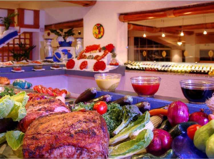 Hotel Holiday Inn Ixtapa Todo Incluido. Variedad gastronómica en su paquete todo incluido del Hotel Holiday Inn Ixtapa