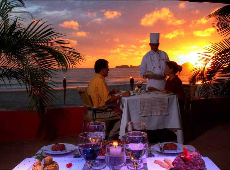 Hotel Holiday Inn Ixtapa Todo Incluido es puro romance, celebre con nosotros su boda o aniversario en Ixtapa Zihuatanejo