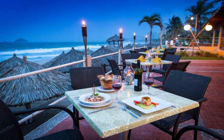 Hotel Krystal Ixtapa Restaurantes: Desayuno - Comida - Cena tipo buffet