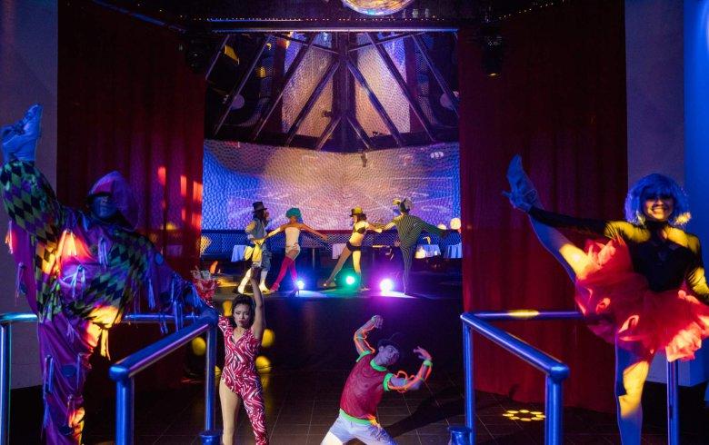 Hotel Krystal Ixtapa Todo Incluido, entretenimiento nocturno, cena show