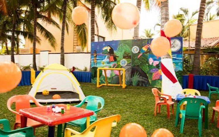 Krystal Ixtapa le ofrece nuestro club infantil Kamp Krystal, perfecto para niños de 6 a 12 años, cuenta con: Área de juegos, Área para artes y manualidades y Tiendas de campaña tropicales