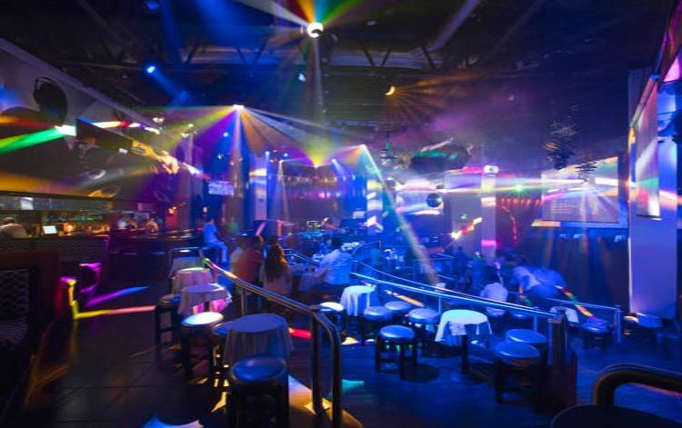 Discoteca Christine Club del Hotel Krystal Ixtapa: Disfrute de un increíble ambiente con buena música en Ixtapa Zihuatanejo