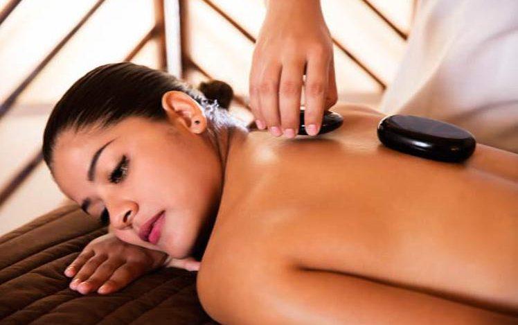 Hotel Krystal Ixtapa Todo Incluido. Los huéspedes pueden disfrutar de una tonificante sesión de ejercicios en nuestro gimnasio con aire acondicionado y vista a la piscina y al océano Pacífico o disfrutar de un relajante masaje en nuestro spa