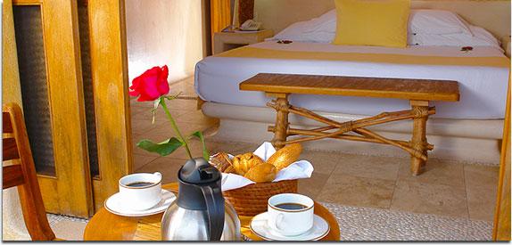 Hotel Pacífica Ixtapa. Las suites de Pacífica Aqua están diseñadas con un exquisito estilo mediterráneo en el que sobresalen amplios espacios y el balance de elementos naturales típicos de Ixtapa Zihuatanejo