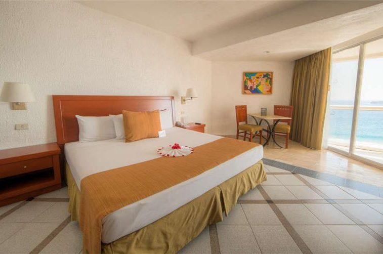 Hotel Park Royal Ixtapa Cuartos. Habitación Estándar con vista al mar. Disfruta de la vista al mar y de increíbles atardeceres desde la comodidad de tu habitación en el Park Royal Ixtapa