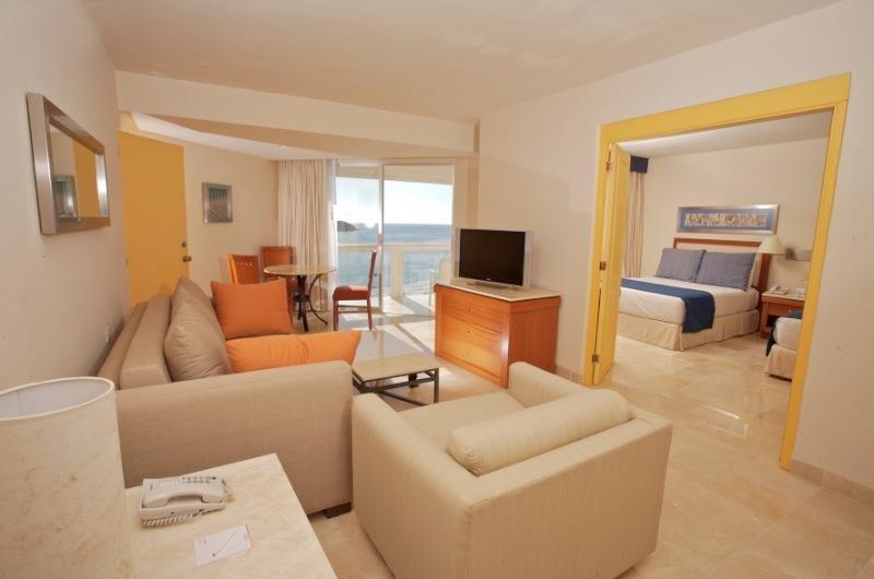 Hotel Park Royal Ixtapa Habitaciones con vista al mar, ubicadas en Playa El Palmar Ixtapa, Zihuatanejo. Reserva tu paquete todo incluido en el Hotel Park Royal Ixtapa