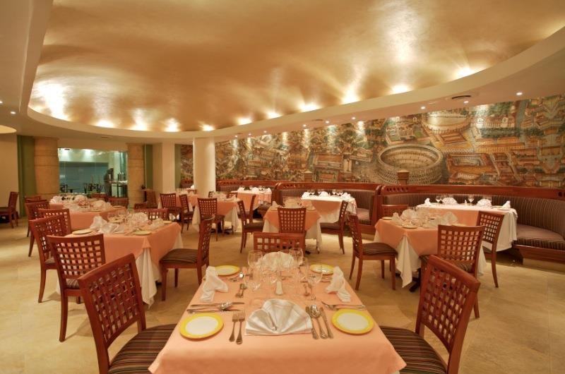 Hotel Park Royal Ixtapa Restaurante a la carta El Italiano. Deléitate con una rica variedad de platillos italianos en un ambiente lujoso y confortable