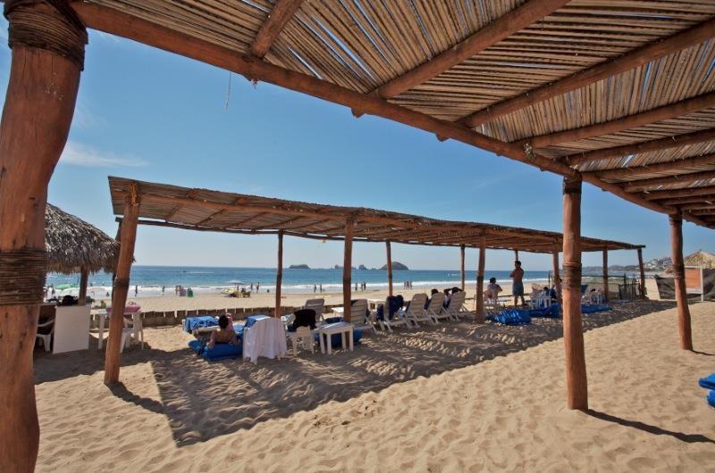 Hotel Park Royal Ixtapa Todo Incluido: Actividades recreativas como aseo en bicicleta, yoga, snorkeling en la alberca, Voleibol de playa, karaoke, casino, disco, juegos