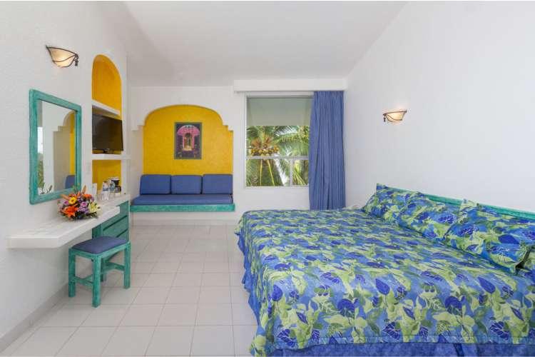 Hotel Posada Real Ixtapa Habitaciones para 2 personas con cama king size, pantalla plana, TV cable, aire acondicionado, alberca, acceso a Playa El Palmar en Ixtapa Zihuatanejo Todo Incluido