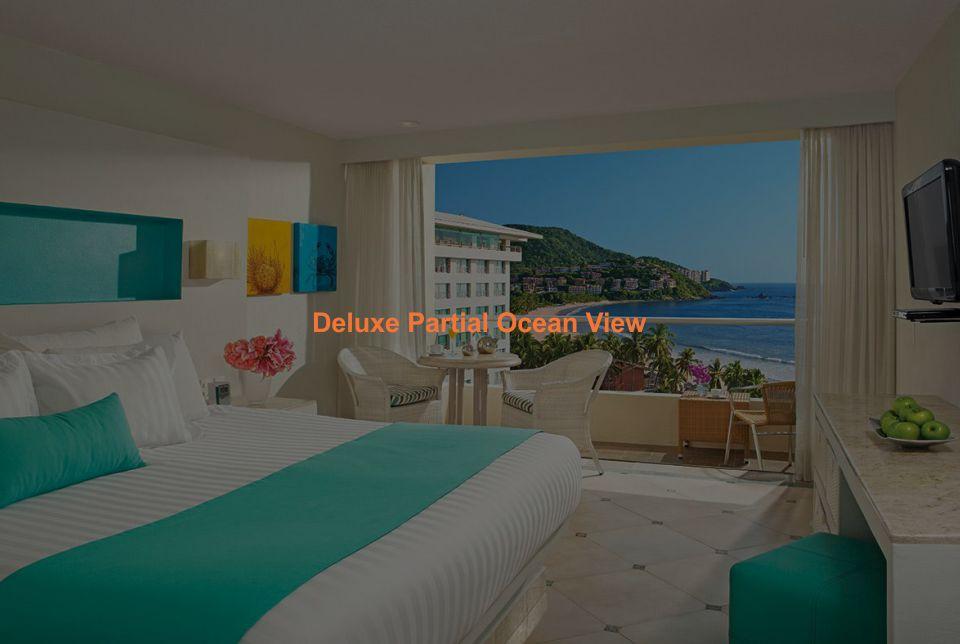 Hotel Sunscape Ixtapa Habitación Deluxe Partial Ocean View. Una cama king-size o dos camas dobles con balcón privado, Vista parcial a la Bahía del Palmar
