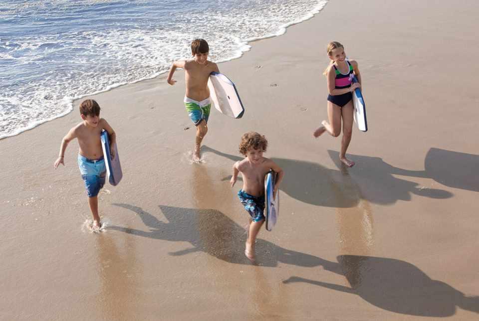 Hotel Sunscape Ixtapa Todo Incluido. Actividades para niños como son: Concursos de castillos de arena, Patio de juegos, noches de películas, manualidades y Campamentos en la playa todas las semanas