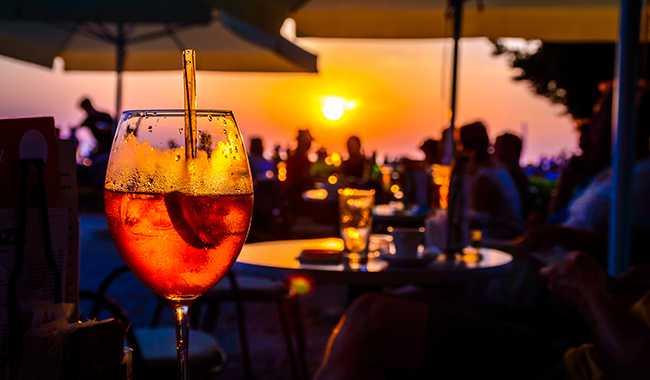 Hotel Tesoro Ixtapa Restaurante Los Arrecifes: Servicio diario de snacks